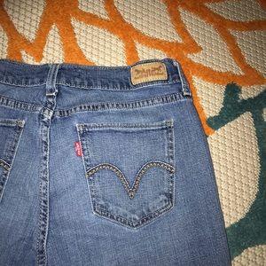 Levi Mid / High Rise Stretch Straight Leg Jeans
